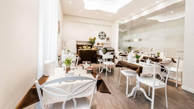 relais-de-l-opera-rome-breakfast-room-4369