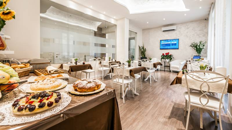 relais-de-l-opera-rome-breakfast-room-4261